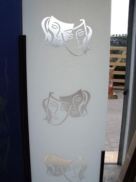 porte-decorate-in-vetro-satinato-maranello