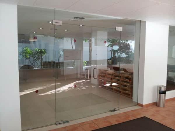 Sostituzione-vetrine-per-negozi-modena-sassuolo